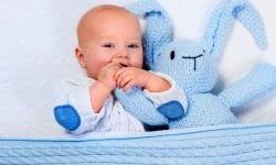 Wygodne czapeczki dla niemowląt